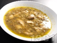 Супа от пиле, леща и гъби печурки